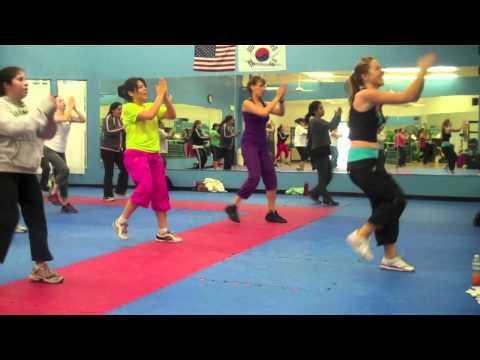 Waka Waka - Shakira - African/Calypso (Dance Fitness)