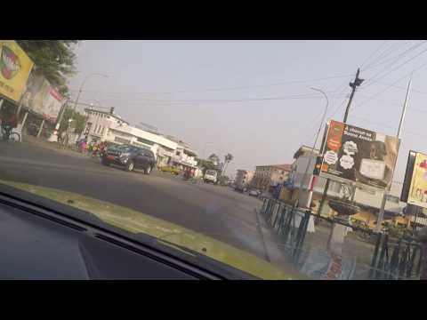 Douala / bonanjo a Bonapriso : Avenue de Gaulle, Rue Toyota