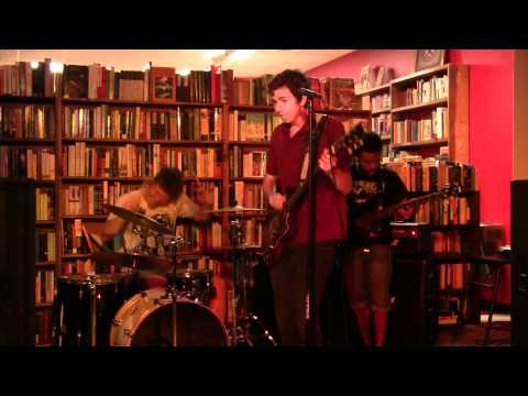 Donna Lu Live @ Mojo Books And Music Tampa 9/10/11