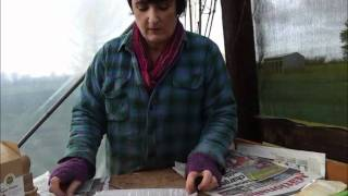 How to Make Newspaper Plant Pots with Greenside Up