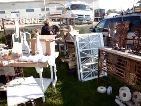 Scarlett Scales Antiques in Brimfleld, Mass at Heart of the Mart