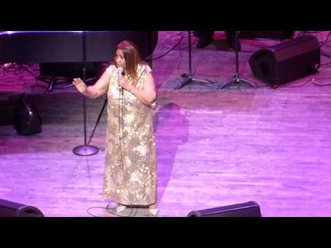"Aretha Franklin ""I Knew You Were Waiting (For Me)"" NJPAC 6/16/16"