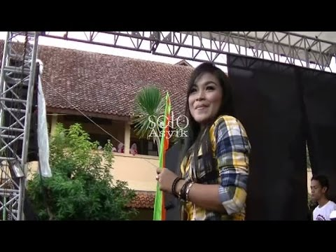 Jamica (Jakarta Minggir Kali) - Atin SAVANA Dangdut Reggae Live SMKN 1 Karanganyar