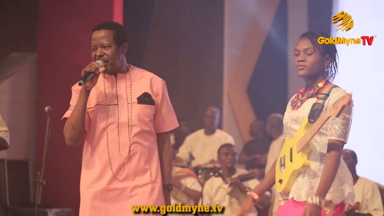 KING SUNNY ADE PERFORMS ON STAGE WITH DAUGHTER AT #SPACELEGENDSERIES