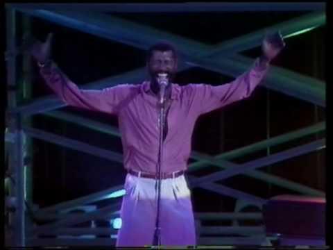 Teddy Pendergrass - Turn Off The LIghts (Live 1982)