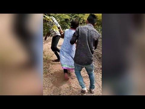 Jhansi में लड़की से छेड़छाड़ का video viral, तीन गिरफ्तार
