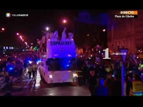 גביע המלך של ריאל מדריד נופל מהאוטובוס ונדרס