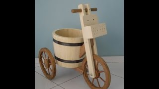 Triciclo de Madeira para Plantas (Wood Tricycle Planter)