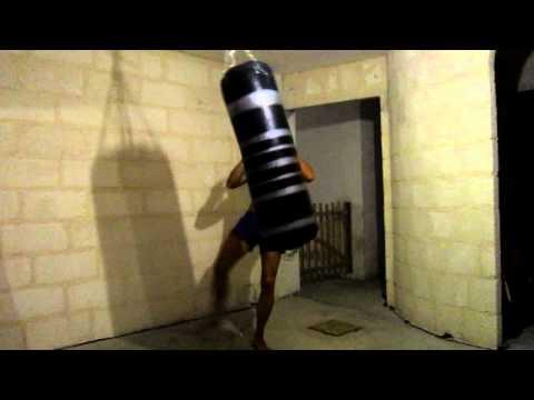 Sacco da muay thai boxe marcell fight 150 cm x 50 kg doovi - Allenamento kick boxing a casa ...