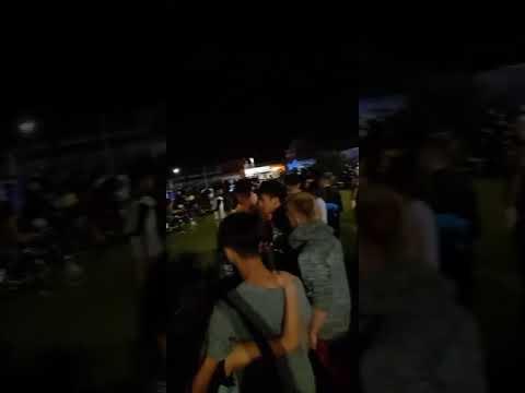 Una multitud de jóvenes se convoco en la plaza de las mujeres entrerriana 02