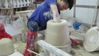 Big Pot Throwing at Royal China Pottery, Jingdezhen
