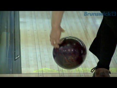 Bowlingdigital's 2010 BEC - PBA pros Bohn, Duke, O'Neill - bowling ball release in slow motion (HD)