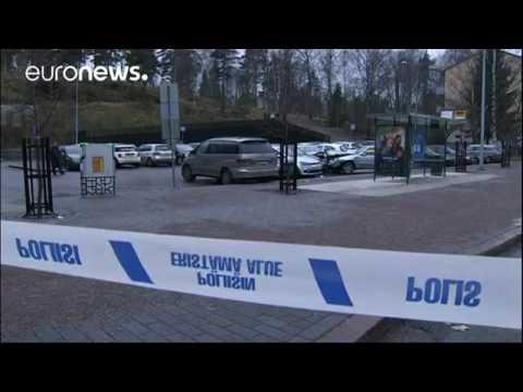 Helsinki  Auto rast in Fußgänger