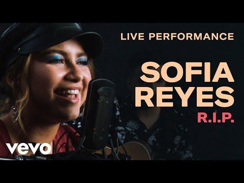 Смотреть клип Sofia Reyes - R.I.P