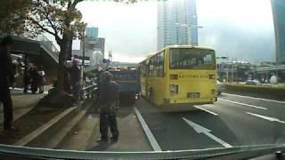 海浜幕張駅にて タイムバーの9:23でゆれだす 9:58 黄色のバスが大揺れ...