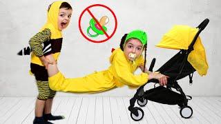 Играет с маленьким Маша превратилась в маленькую / Masha Play with baby
