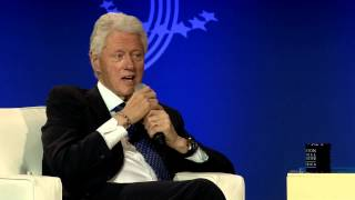 President Bill Clinton talks with Governor Chris Christie of New Jersey - CGI America 2013