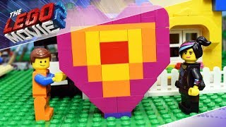 The LEGO MOVIE 2 Emmet And Lucy VALENTINE'S DAY Apocalypseburg FAIL