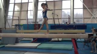 Упражнение на бревне! Аня Крайнова. 22.12.2015.