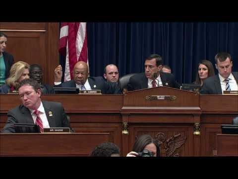 Reps. Darrell Issa, Elijah Cummings clash at IRS hearing