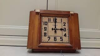 видео часы вторичные стрелочные
