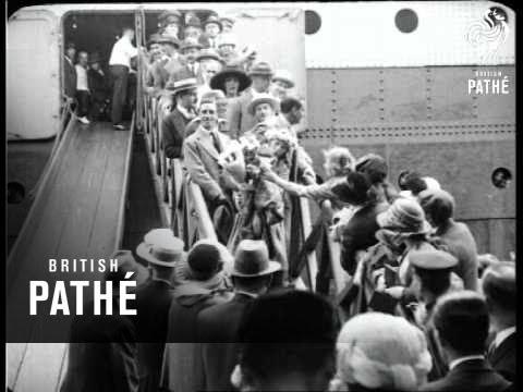 Mary Pickford & Douglas Fairbanks  AKA Mary Pickford & Douglas Fairbanks Arrive (1920)