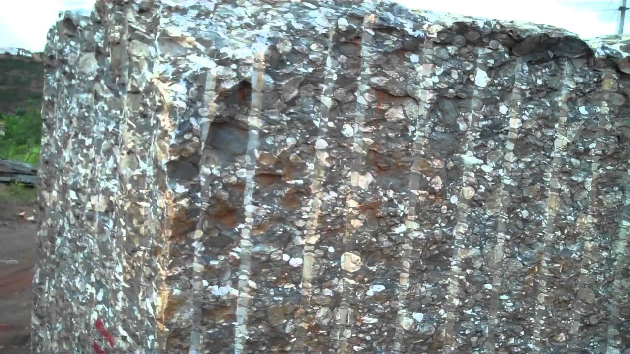 Processing granite blocks into slabs in Brazil
