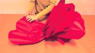 How to Make GIANT Tissue Paper Flowers(Easy, gorgeous, giant flowers!, 2012-02-08T17:44:24.000Z)