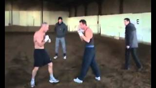 Подпольный бой цыганских боксёров
