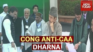 Congress Stages Anti CAA Protest At Rajghat; Rahul, Priyanka Gandhi And Senior Leaders In Attendance