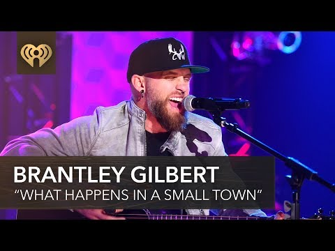 """Brantley Gilbert & Lindsay Ell Team Up On """"What Happens In A Small Town"""" 