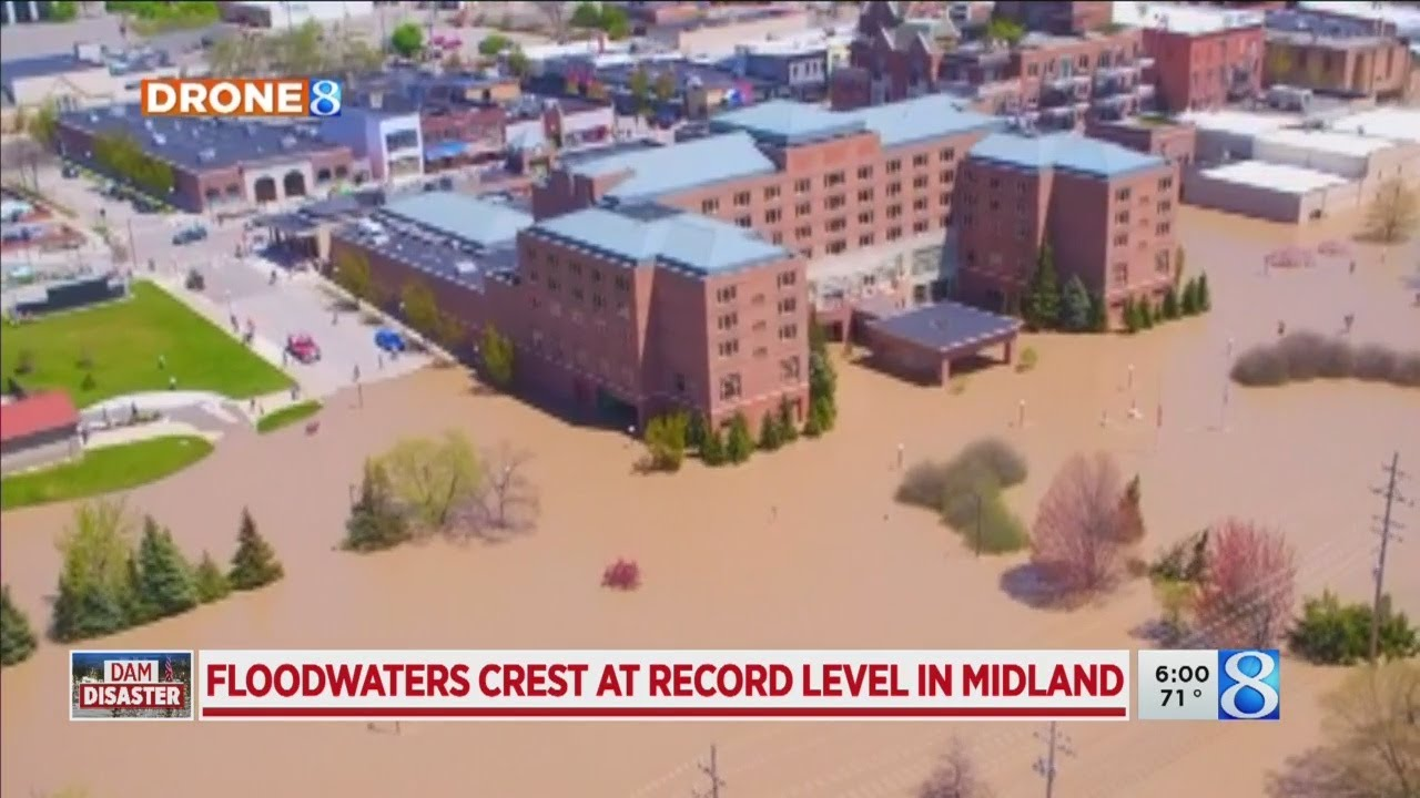 Michigan flood displaces thousands, threatens chemical plant