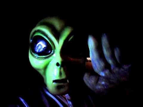 Greetings earthlings youtube greetings earthlings m4hsunfo