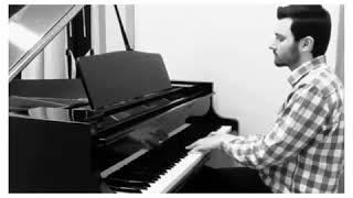 Ruhunuzu dinlendirecek bir fon müzik.  Piano