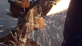 Cięcie szyny kolejowej S60 tarczą 350mm Abras