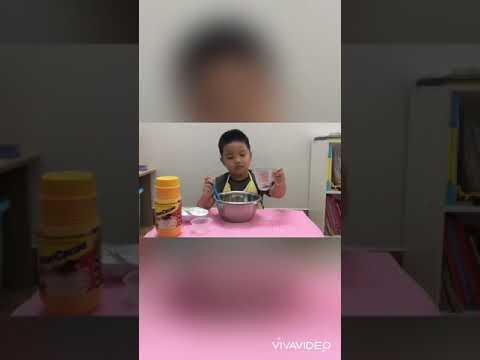 Bé Bảo nấu món tàu hủ singapore