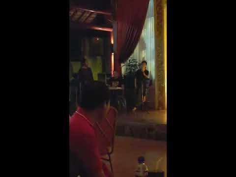 Genta Garby-Cinta Pertama-Acoustic version live