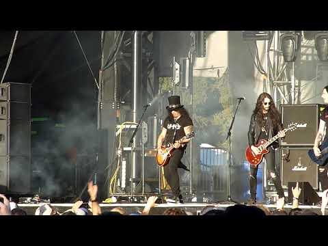 Slash w/ Myles Kennedy -