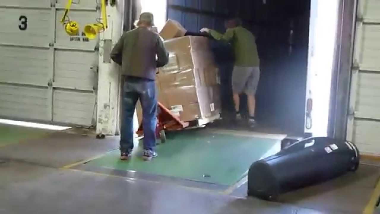 Pallet Jack Teamwork Forklift Fail Youtube