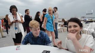 Repeat youtube video Table ronde à Cannes avec Anne Dorval, Suzanne Clément et Antoine Olivier Pilon