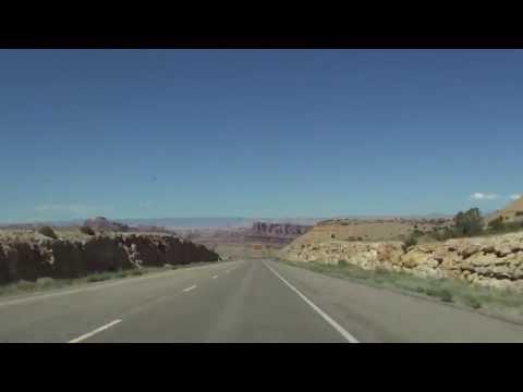 13-14  Interstate 70 in Utah: The San Rafael Swell