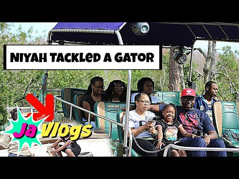 Niyah Tackled A Gator | Gatorland | Winter Orlando Vacation 2018 | JaVlogs