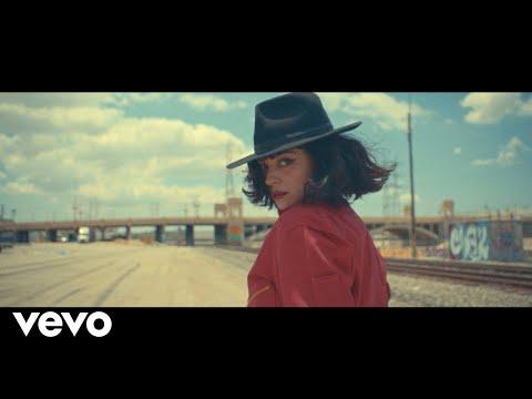 Смотреть клип Mon Laferte - Canción De Mierda