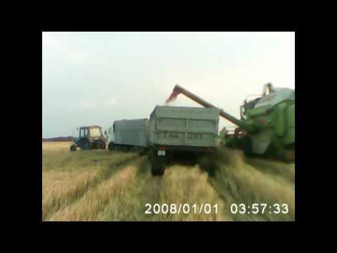 трактора на уборке урожая видео за границей
