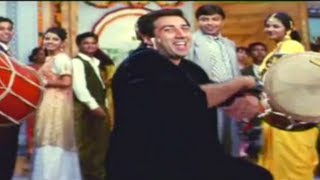 Video Halle Halle - Yeh Raaste Hain Pyaar Ke - Sunny Deol, Ajay Devgn & Madhuri Dixit - Full Song download MP3, 3GP, MP4, WEBM, AVI, FLV November 2017