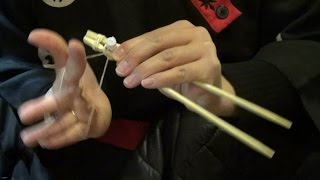 How to use chopsticks - Life Hack lesson from the Japanese restaurant chef