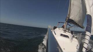 Video Bavaria 32 sailing Galicia Sea download MP3, 3GP, MP4, WEBM, AVI, FLV Agustus 2018