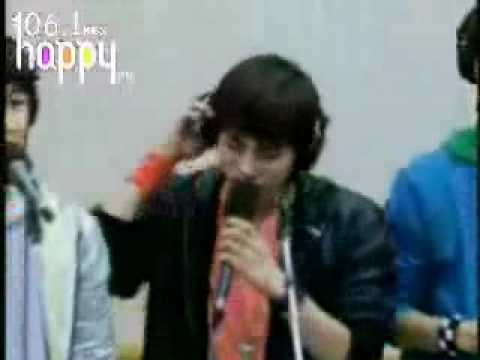 Shinee-Stand by me live (boys over flowers)