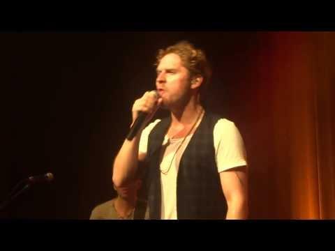 "Johannes Oerding ""Spring"" live in Aurich"