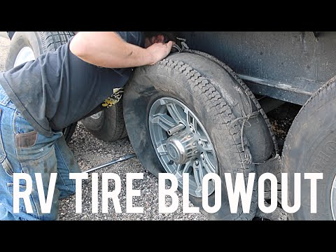 RV Tire Blow Out in the Middle of Nowhere: Full-Time Traveling Family